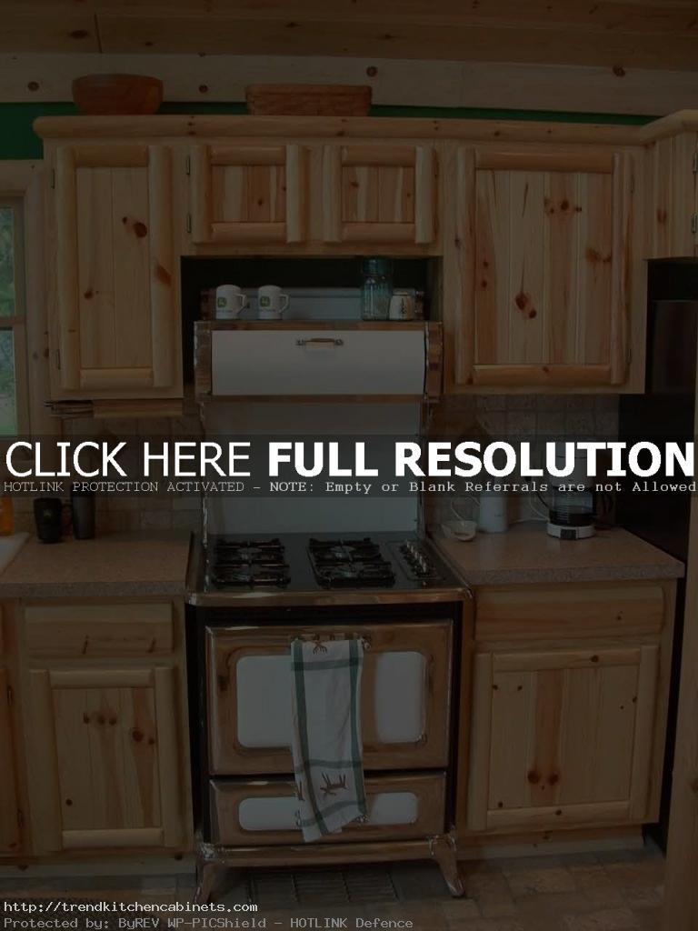 Knotty-Pine-Kitchen-Cabinets-Designs